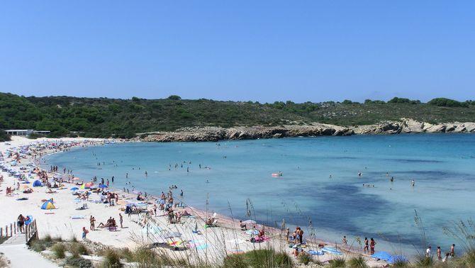 Salut investiga un brot de Covid en 24 catalans que van anar de final de curs a Menorca