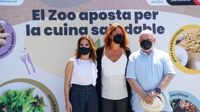 Pla general de la directora de B:SM, Marta Labata, la tercera tinenta d'alcaldia, Laia Bonet, i el director del Zoo, Sito Alarcón. Imatge cedid…