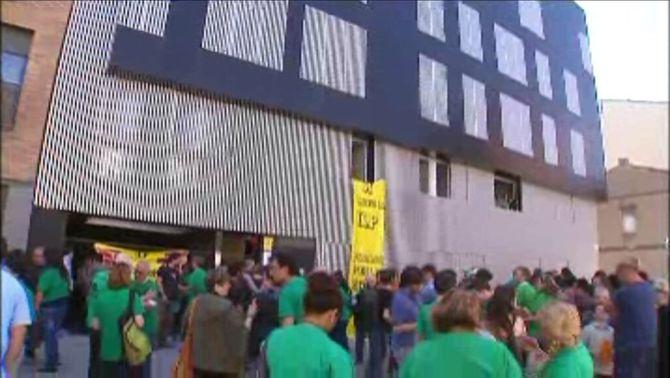 Edifici ocupat al carrer de Sant Ferran de Sabadell