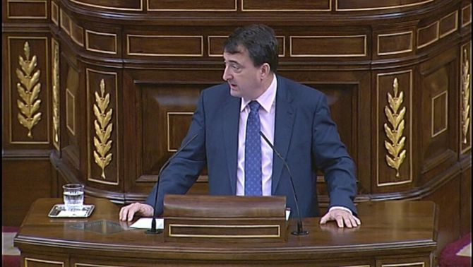 """El PNB aprofita el debat per recordar al govern espanyol que té dues """"patates calentes"""": la catalana i l'euskalpatata"""