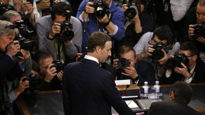 Mark Zuckerberg durant la compareixença al Senat dels Estats Units (Reuters)