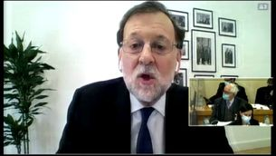 Aznar i Rajoy neguen haver rebut sobresous en el judici per la caixa B del PP