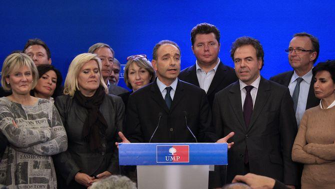 Jean-François Copé es converteix en el nou president de la UMP, sense que Fillon reconegui la derrota