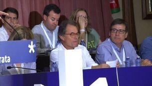 """Puigdemont: """"La ciutadania té el comandament i premerà el botó l'1 d'octubre"""""""