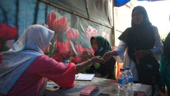 Un bitllet d'autobús a canvi d'ampolles de plàstic, a Indonèsia