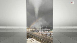 Un tornado entra al port de Barcelona i causa desperfectes