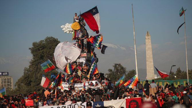 El món surt al carrer: Les protestes a Xile, el Líban, l'Iran i Hong Kong