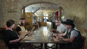 """""""Joc de cartes"""" ha buscat el restaurant amb més caràcter de Girona i Figueres"""