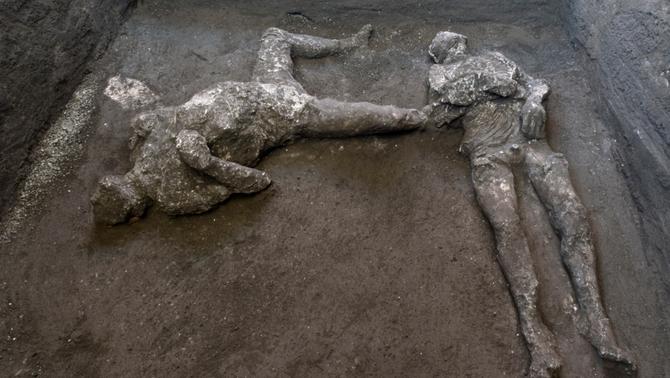Reconstrueixen els cossos d'un noble i un esclau sepultats sota la lava a Pompeia l'any 79 dC
