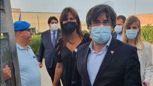 Carles Puigdemont en el moment de sortir de la presó de Bancari (JuntsXCat)