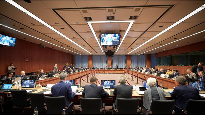 L'Eurogrup, incapaç d'un acord pels crèdits i els coronabons després de 16 hores reunit