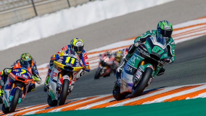 """Gardner s'enduu la """"pole"""" de Moto2 i Bastianini controla la situació"""