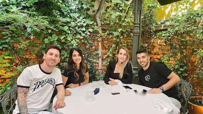 Messi i Luis Suárez dinen junts en un restaurant de Madrid