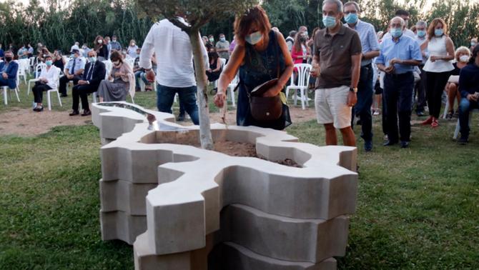 Lleida homenatja les víctimes de la Covid i tots els morts durant el confinament