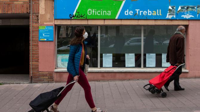 Més d'un terç dels catalans ja admet que viu una mala situació econòmica