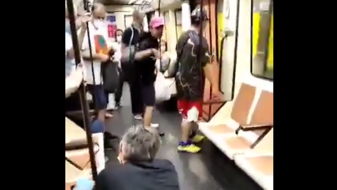 Imatge de l'agressió a un sanitari la setmana passada al metro de Madrid