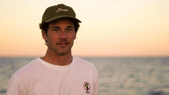 Mor el surfista Óscar Serra després de caure d'una gran onada a Mèxic