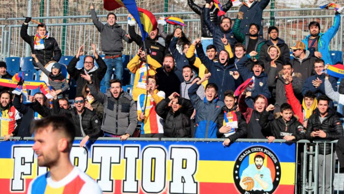"""Els Catarres componen el nou himne del FC Andorra, """"Batec tricolor"""""""