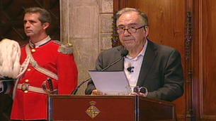 El poeta Joan Margarit en un moment del seu pregó inaugural de les Festes de la Mercè