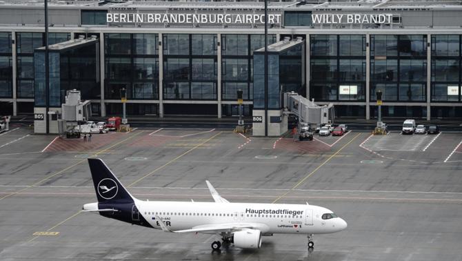 Berlín inaugura el nou aeroport, nou anys tard i amb un sobrecost de 4.500 milions