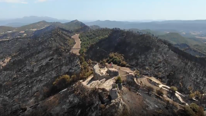 Un vídeo a vista d'ocell de l'incendi que ha cremat 1.700 hectàrees a l'Anoia i la Conca de Barberà (Agents Rurals)