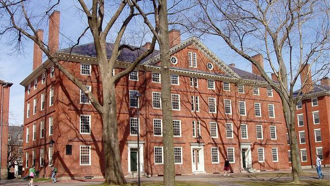 Els Estats Units retirarà el visat als universitaris estrangers si han d'estudiar online