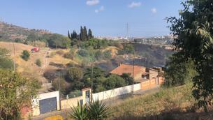 El foc ha arribat molt a prop d'algunes cases de Vallbona